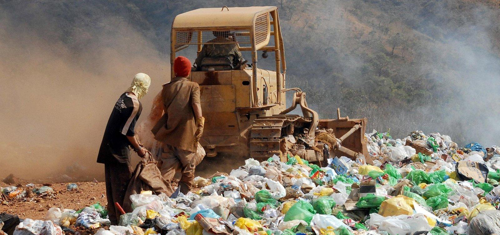 [Relatório aponta que Brasil tem quase 3 mil lixões em 1,6 mil cidades]