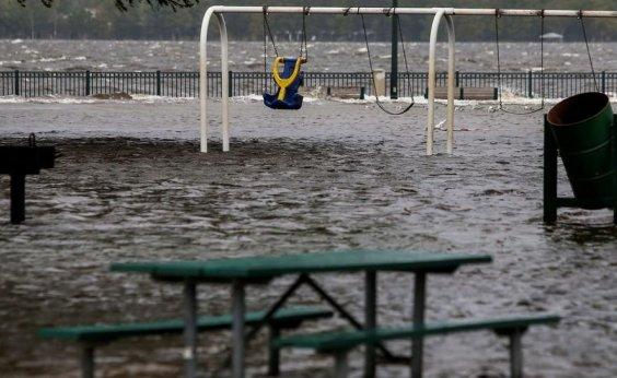 [EUA confirmam sete mortes após passagem do furacão Florence]
