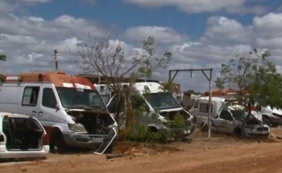 [Ambulâncias do Samu estão abandonadas no pátio da prefeitura de Juazeiro]