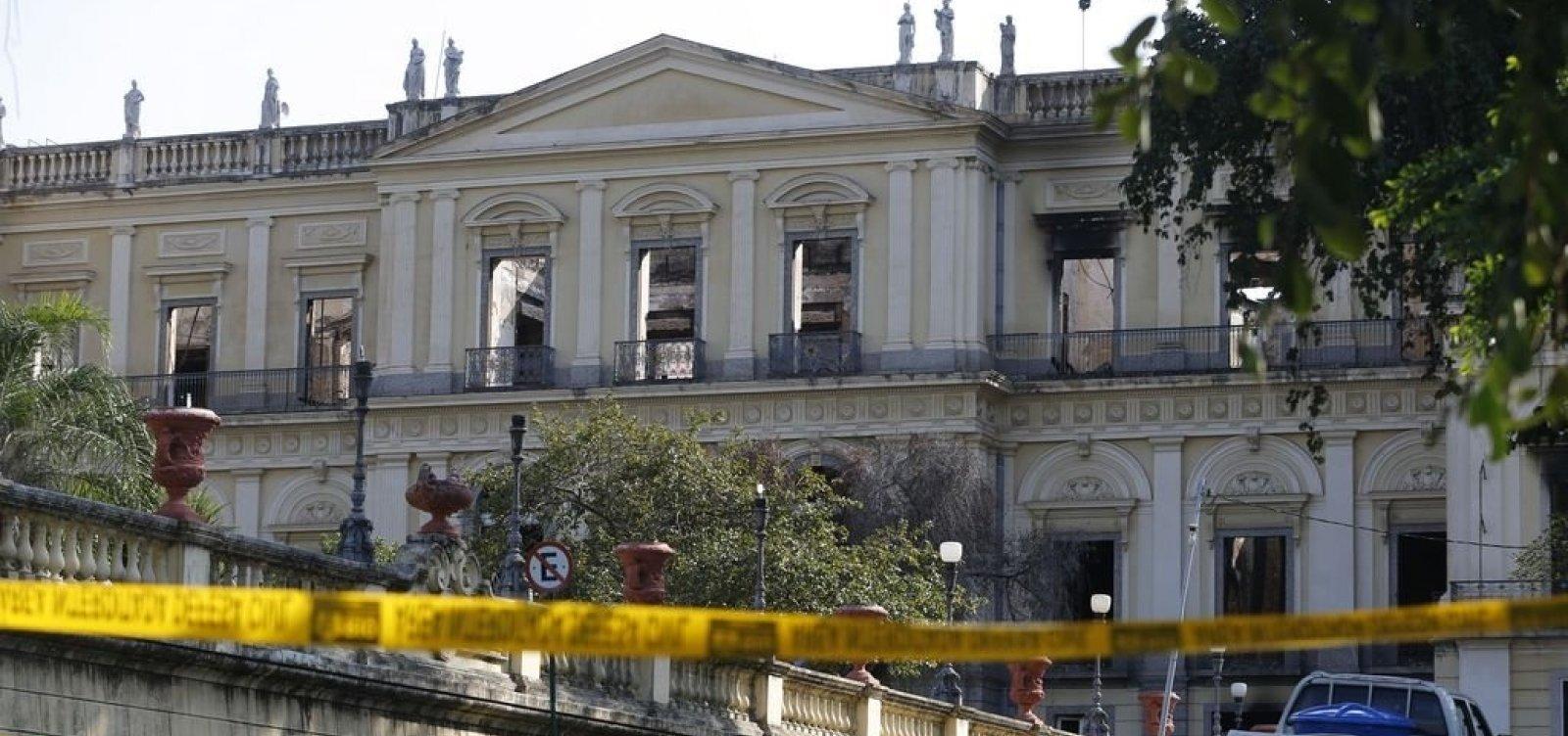 [UFRJ quer que Unesco atue no plano de restauração do Museu Nacional]