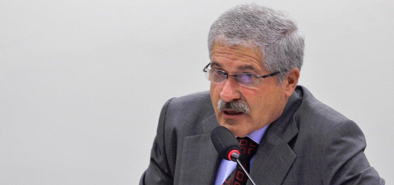 [Líder do PR diz que Alckmin não decola por falta de 'contato com o povo']