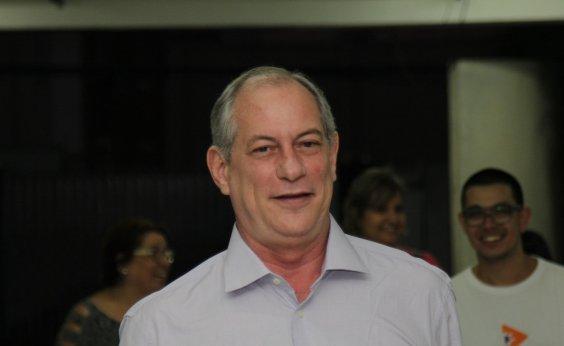 [Brasil não suporta 'um presidente que tenha que consultar o seu mentor', diz Ciro]