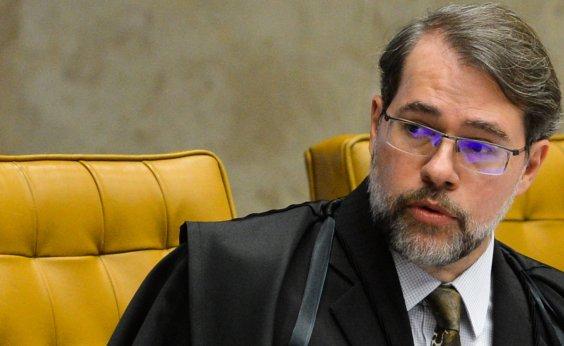 [Presidente interino, Toffoli sanciona lei que criminaliza importunação sexual]