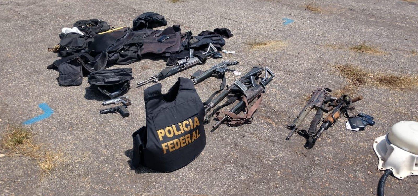 [Seis suspeitos são mortos em tentativa de roubo a avião que transportava dinheiro]