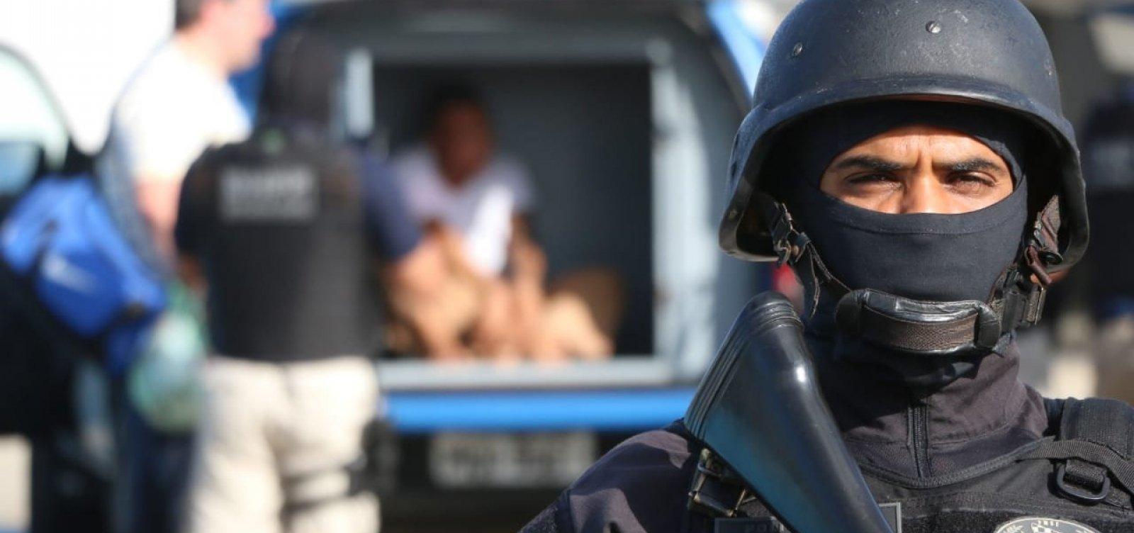[Acusado de matar cabo da PM e seguranças de show do Harmonia é apresentado pela polícia]