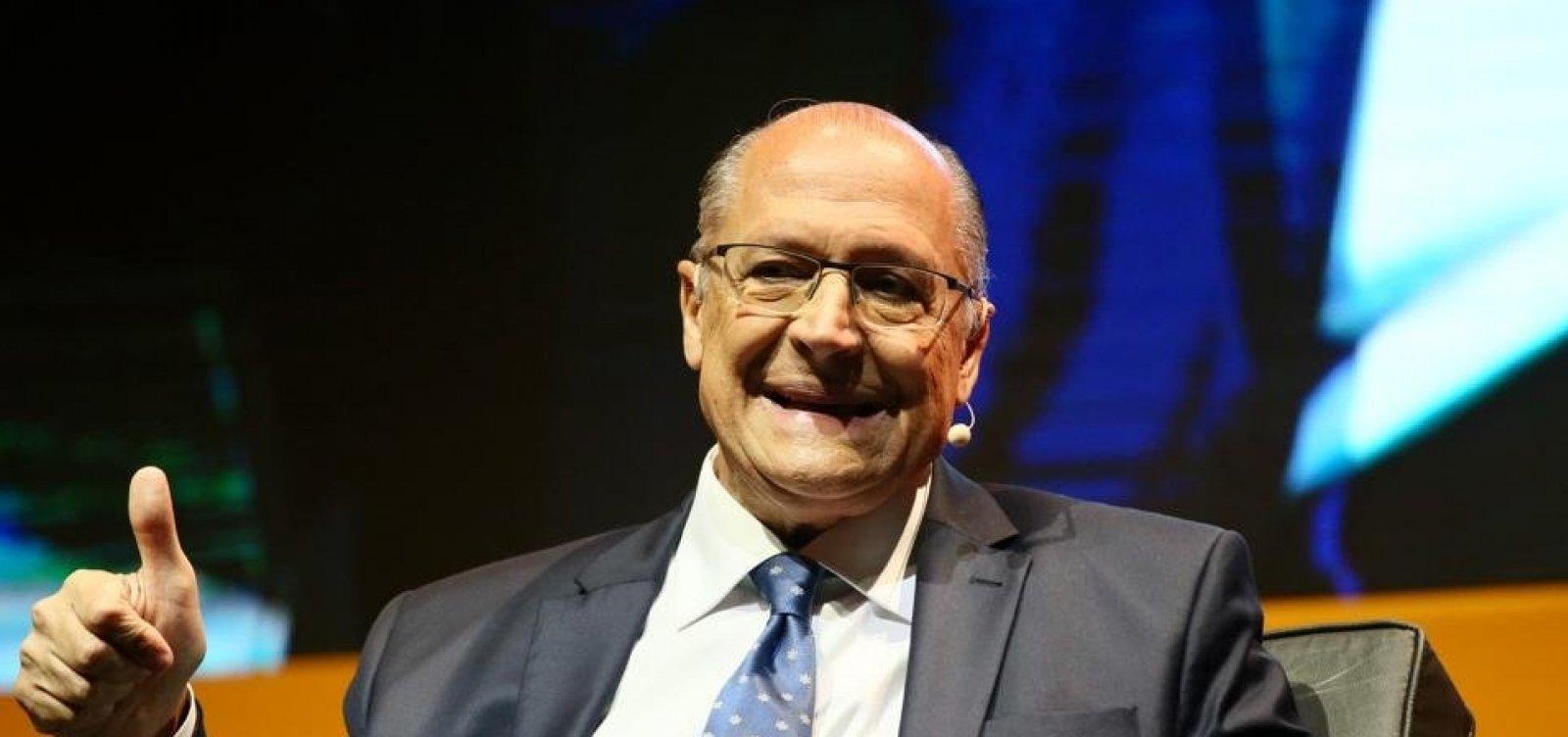 [Alckmin volta a pregar 'voto útil' e chama disputa entre PT e PSL de 'bipolarização equivocada']
