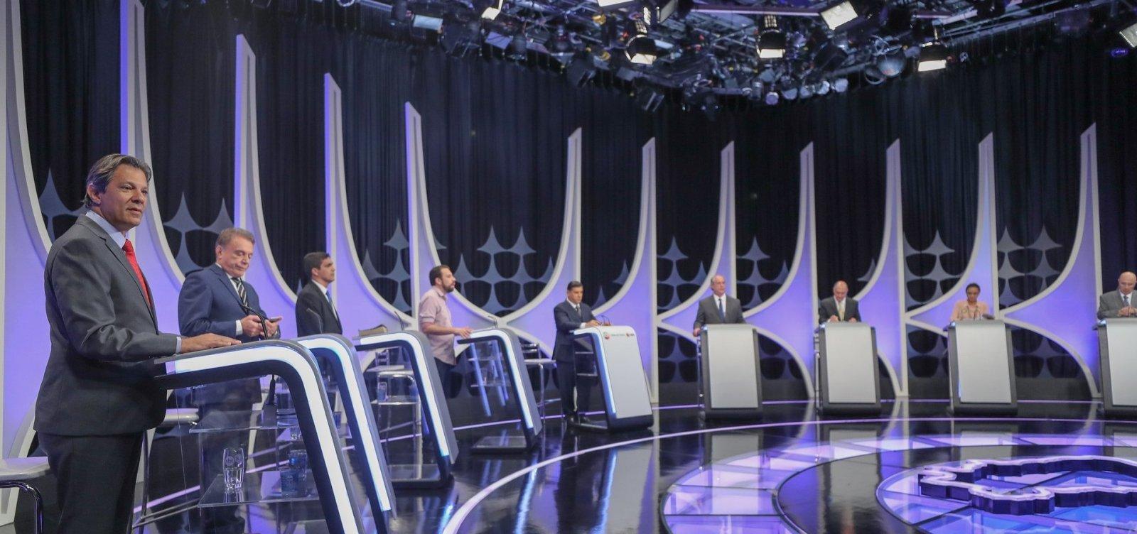 [Datafolha: Bolsonaro mantém 28%; Haddad cresce seis pontos e chega a 22%]