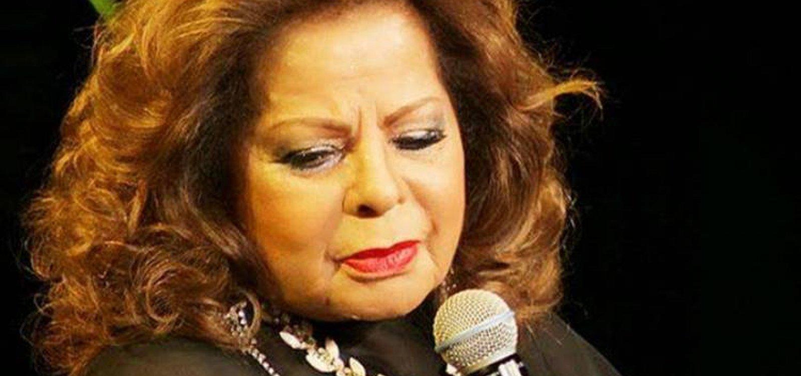 [Cantora Angela Maria morre aos 89 anos em São Paulo ]