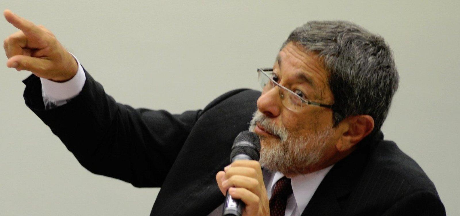 [Palocci: Lula encomendou a Gabrielli construção de sondas para 'manter futuro político' do PT]