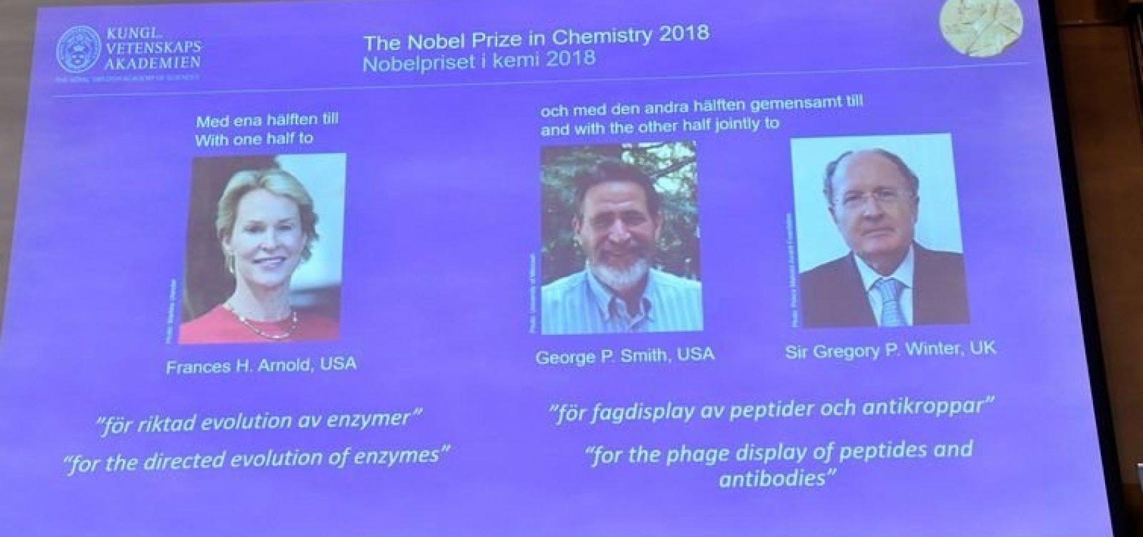 [Três pesquisadores ganham Nobel de Química com estudo de proteínas]