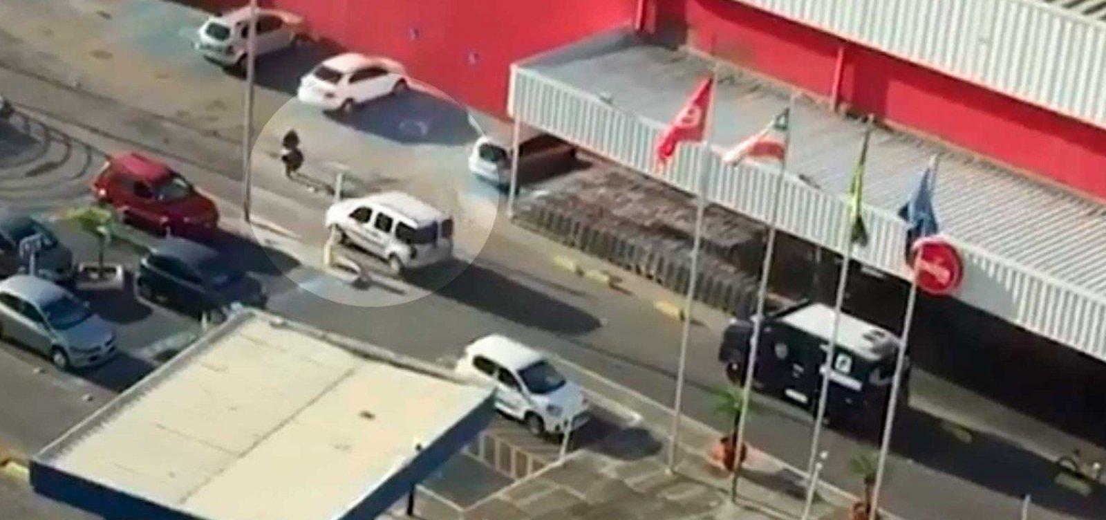 [Assista: bandidos assaltam carro-forte na Vasco da Gama, em Salvador]