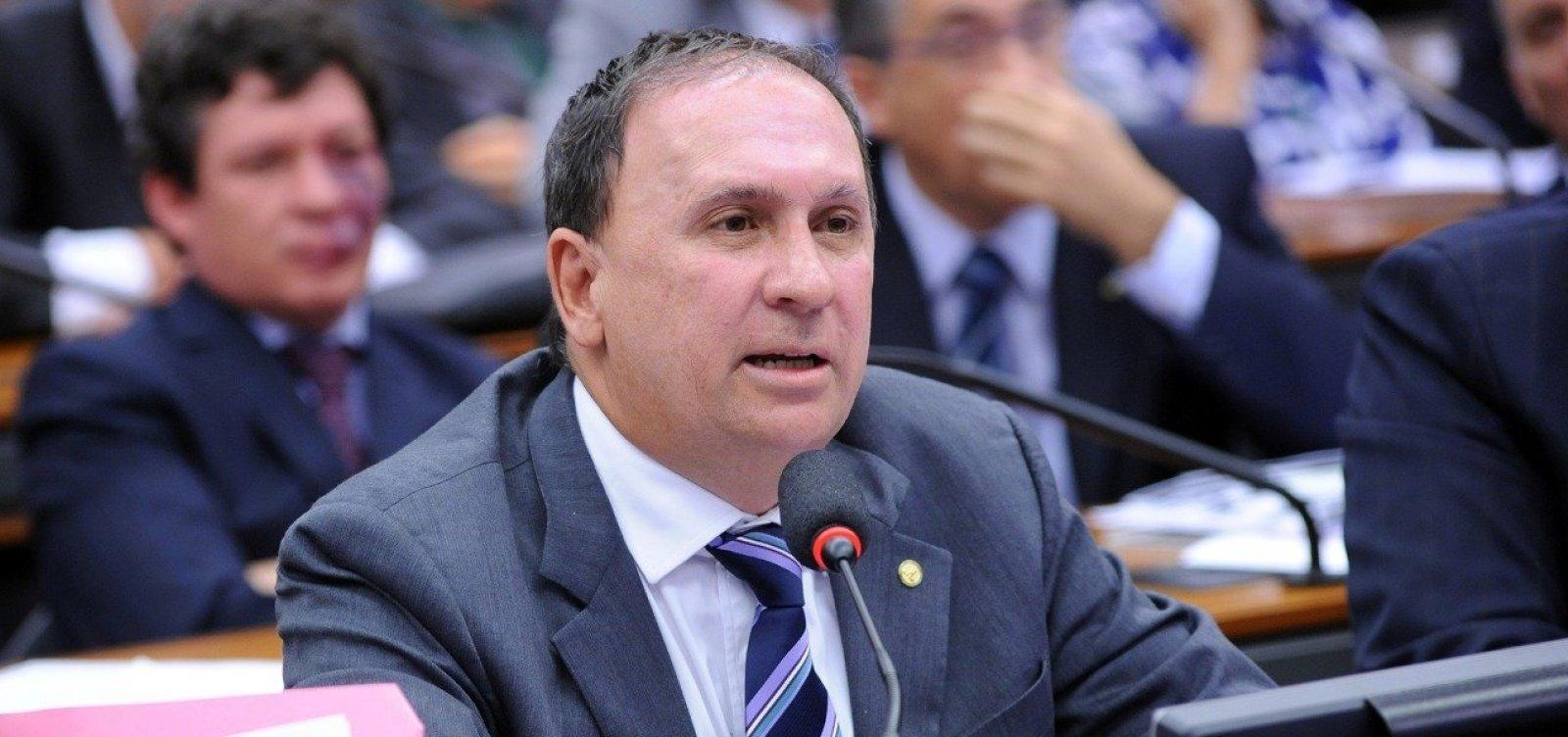 [Gualberto diz que PSDB mantém apoio, mas chama Zé Ronaldo de 'oportunista']