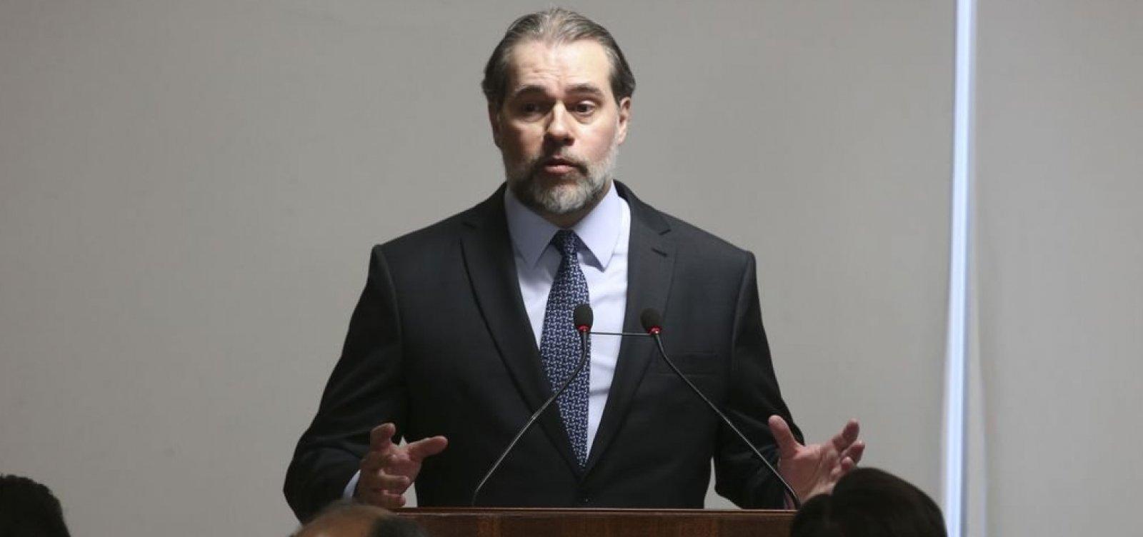 [Toffoli: 'Nunca mais a ditadura, o fascismo, o comunismo e o nazismo']