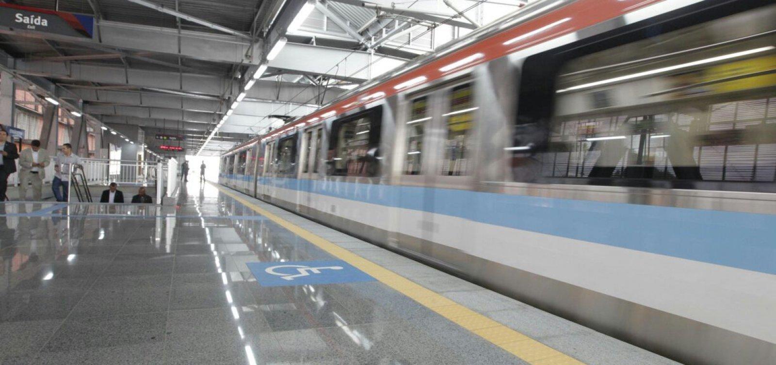 [Trem de metrô de Salvador quebra durante viagem]