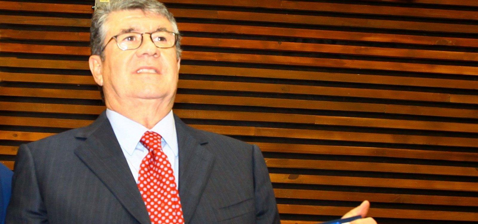 [Maior doador individual do país prioriza PSDB, DEM e MDB e candidatos a reeleição]