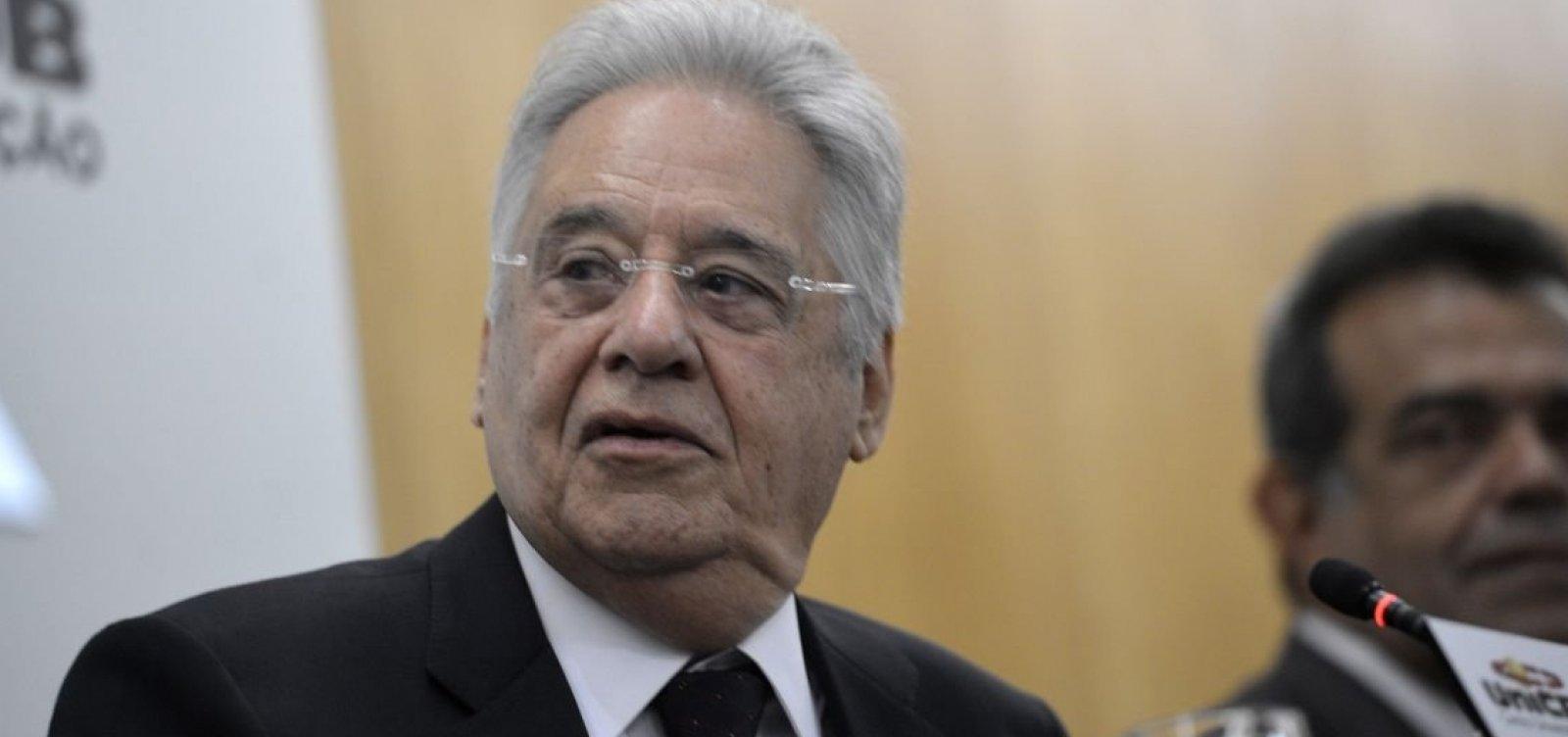 [FHC vota em São Paulo e diz que democracia está 'enraizada' no país]