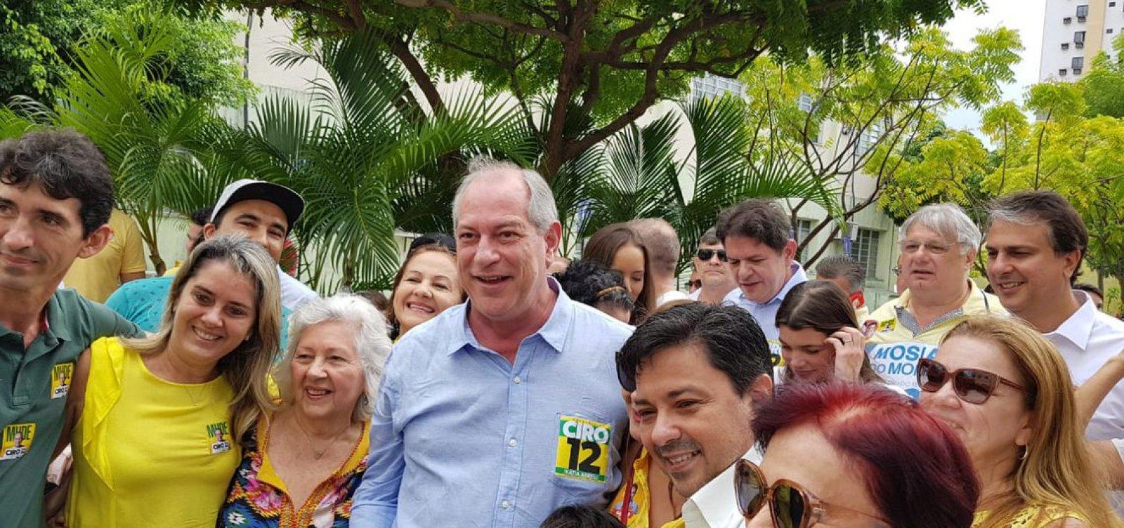 [Ciro diz acreditar em virada na reta final e critica Bolsonaro]