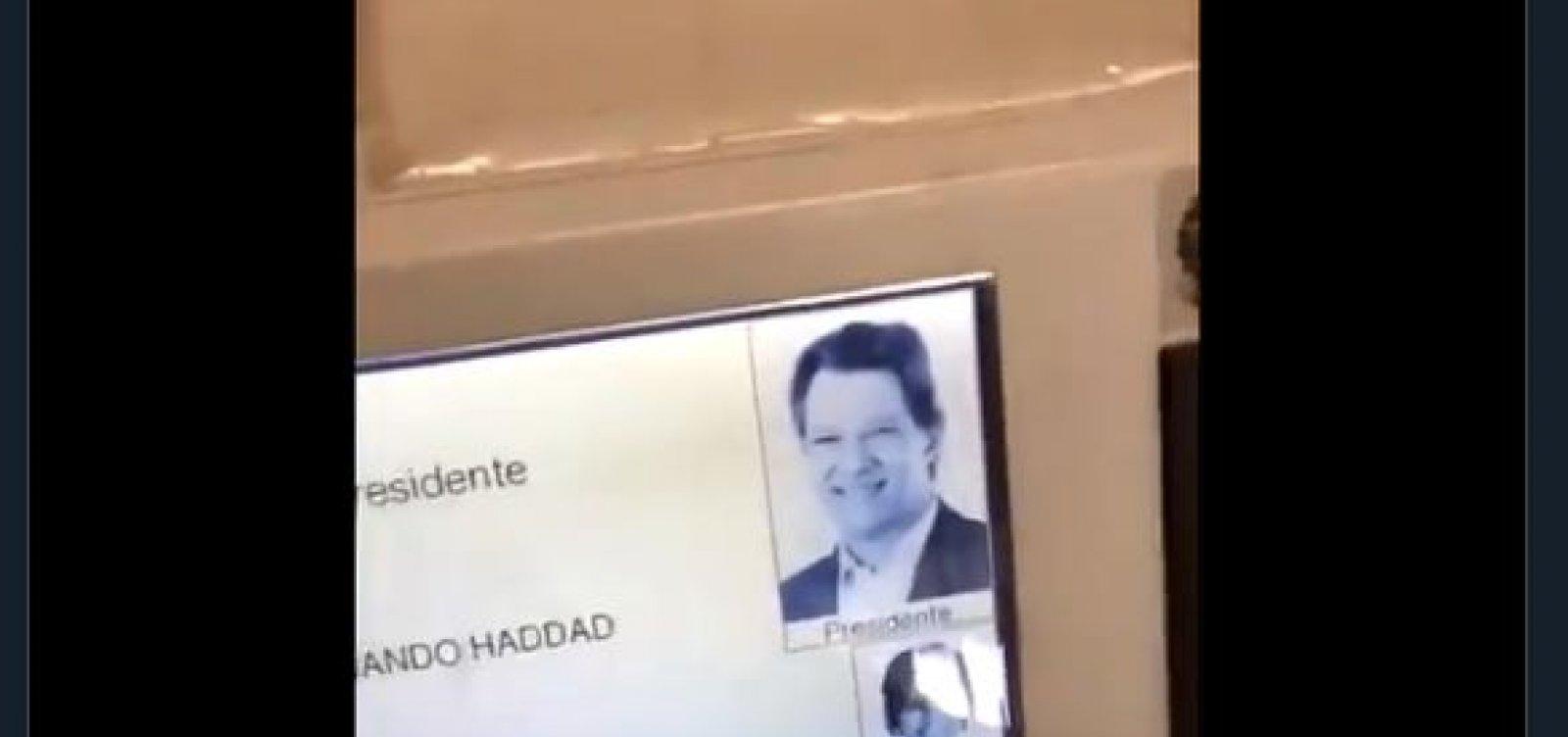 [Justiça Eleitoral diz que vídeo de urna que 'auto completa' voto é fake]