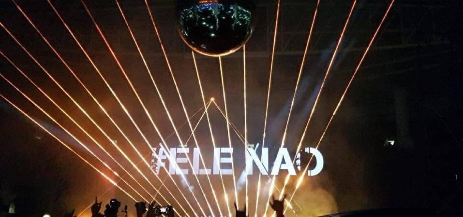 [Roger Waters critica Bolsonaro em show de abertura de turnê no Brasil]