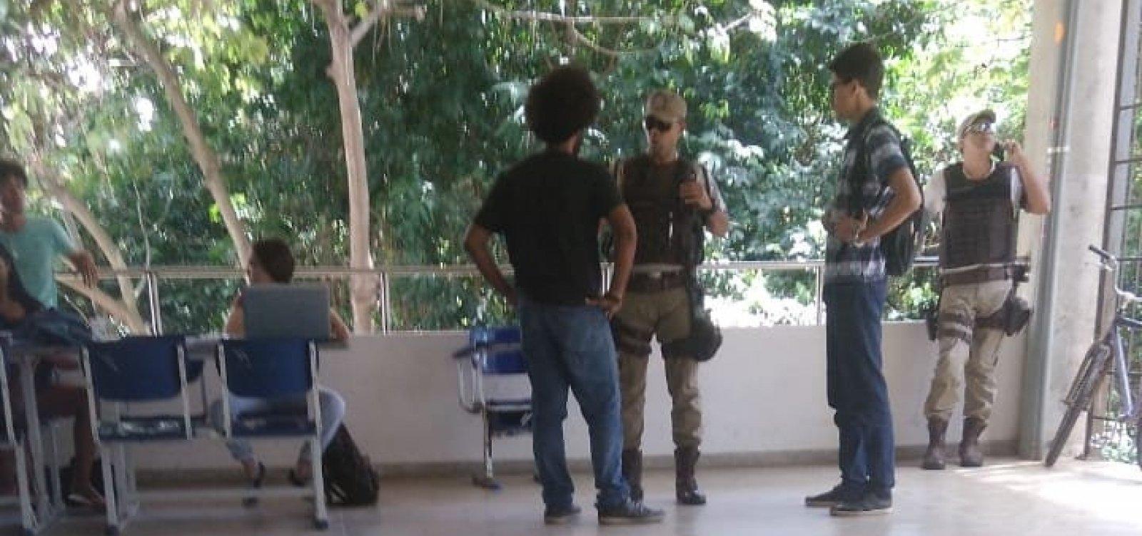 [Briga política termina com estudantes da UFBA na delegacia]