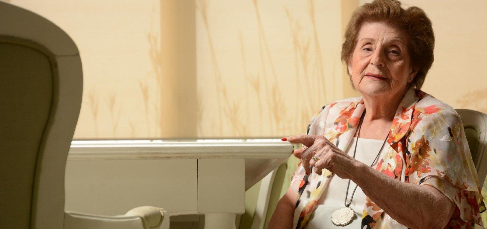 [Aos 92 anos, morre a escritora espiritualista Zibia Gasparetto]