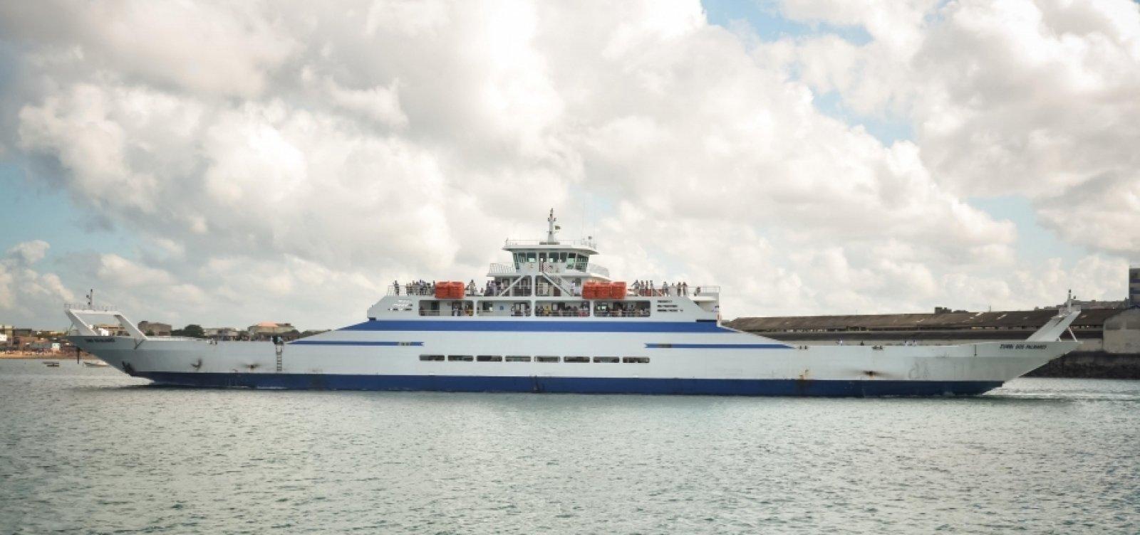 [Ferry-boat funciona com horários extras e de madrugada durante feriado]