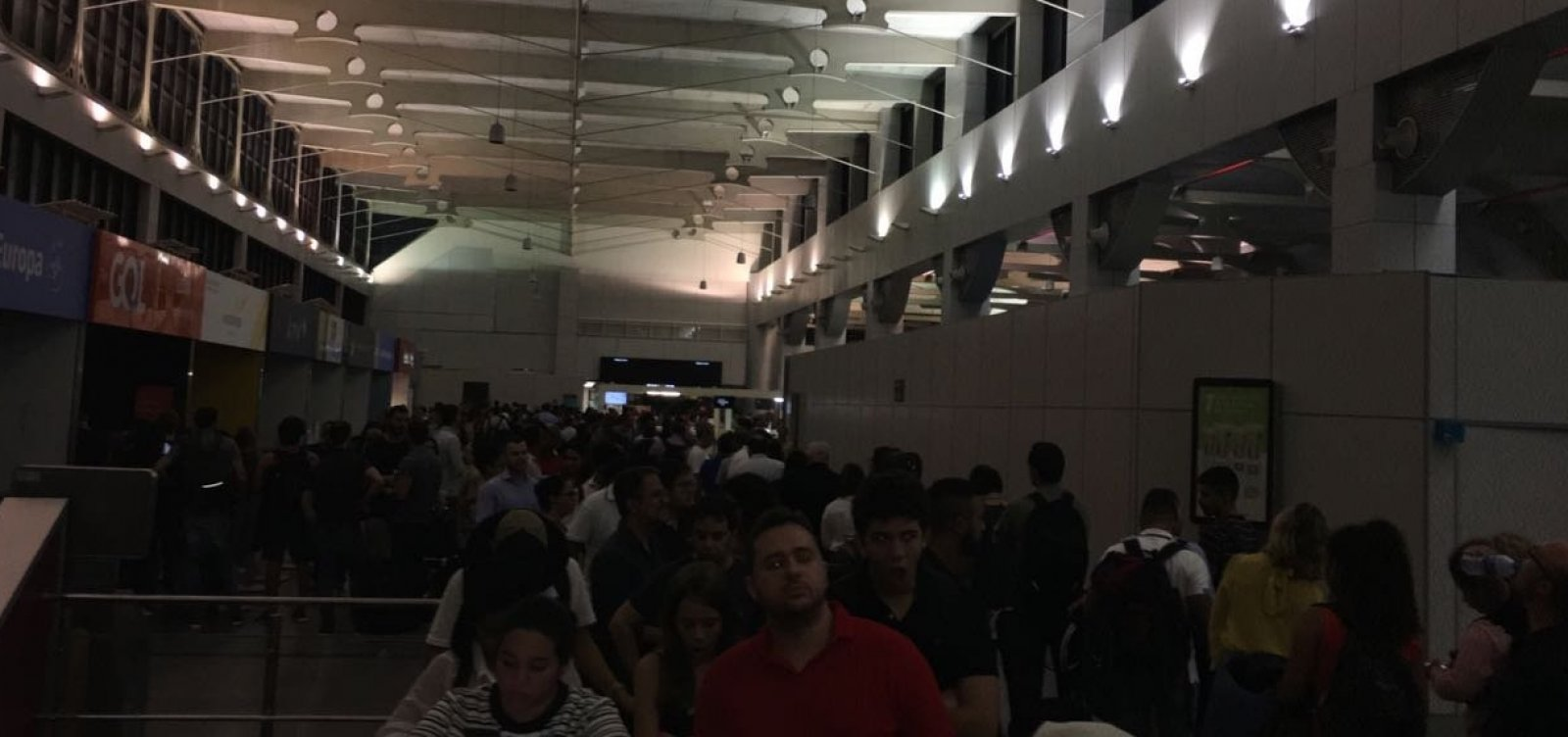 [Queda de luz no aeroporto atrasou 17 voos; Vinci diz mobilizar 'toda equipe' para normalizar operação]