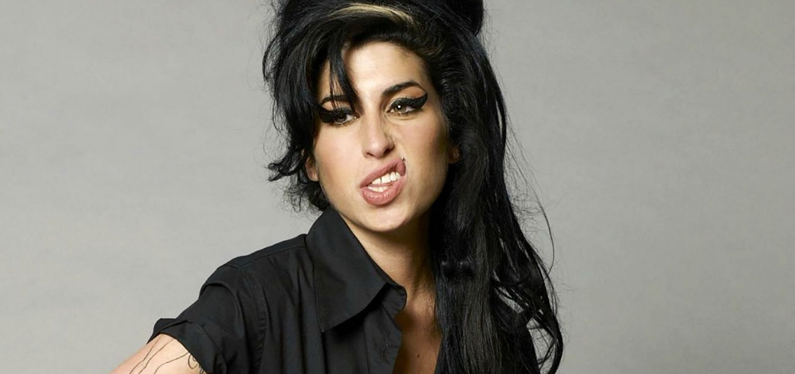 [Amy Winehouse ganhará cinebiografia autorizada pela família]