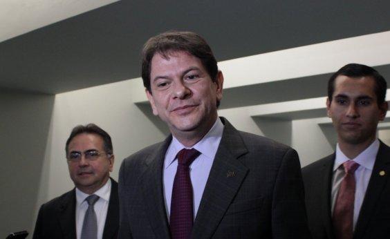 [Cid Gomes quer proibir Bolsonaro de usar vídeos com ataques ao PT]