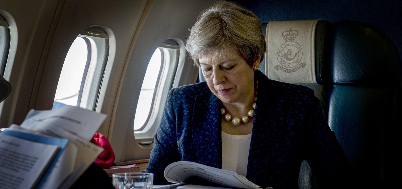 [Primeira-ministra britânica cogita adiar período de transição pós-Brexit]