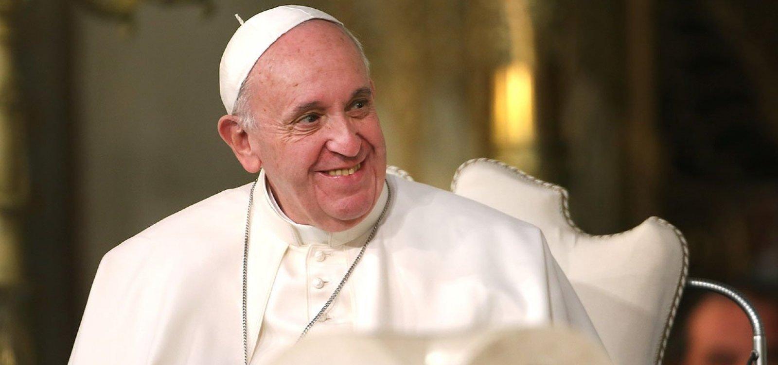 [Moon entrega carta de Kim Jong-un ao papa Francisco]