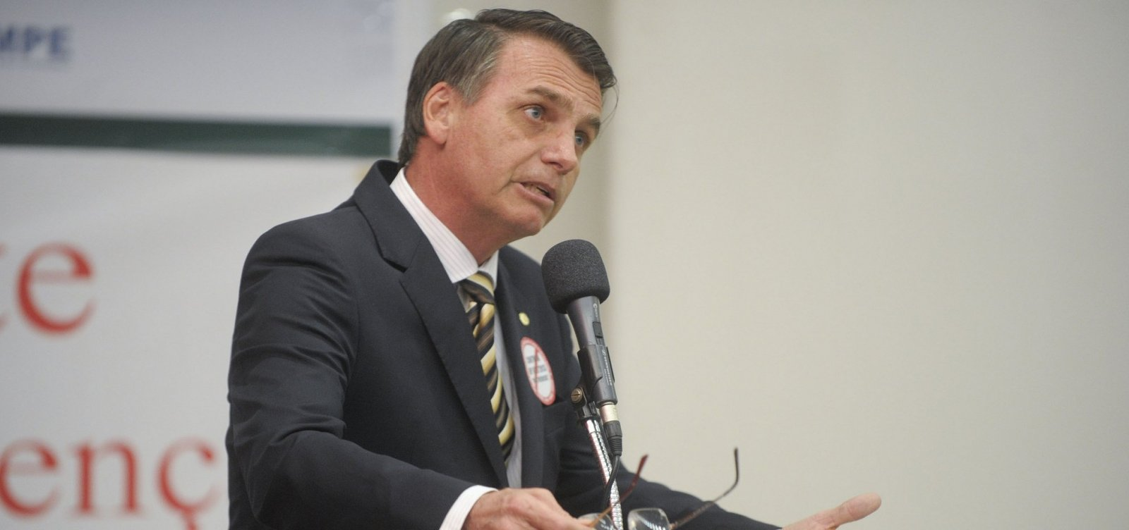 [Bolsonaro já pode comparecer a debates, diz avaliação médica]