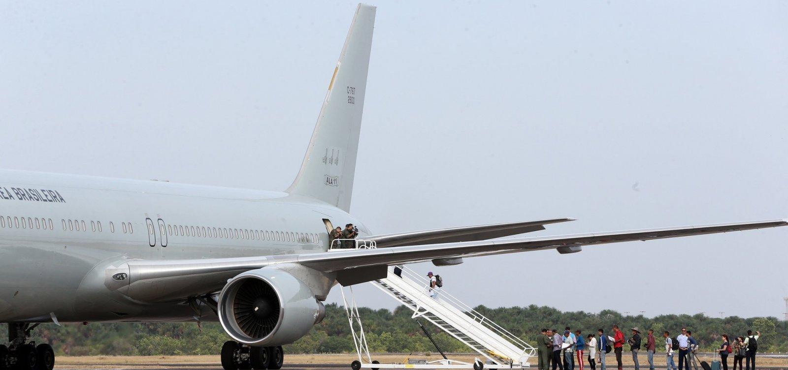 [Latam aumenta taxa de despacho de bagagem e passa a cobrar pelo serviço em viagens na América do Sul]