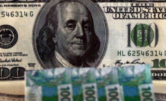 [Após três quedas seguidas, dólar volta a fechar acima de R$ 3,70]