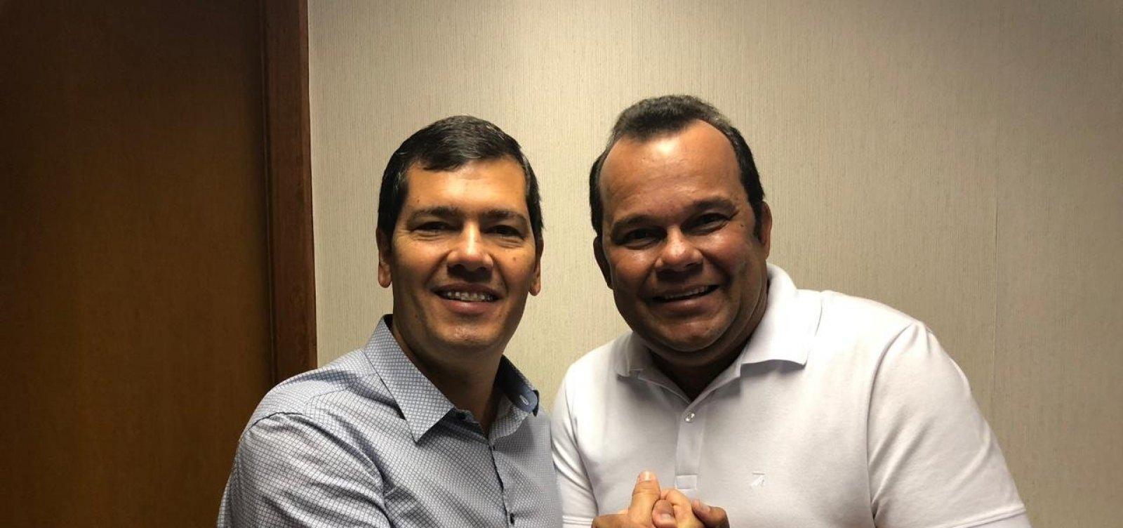 [Tinoco desiste de candidatura e apoia Geraldo Júnior na disputa pela presidência da Câmara]