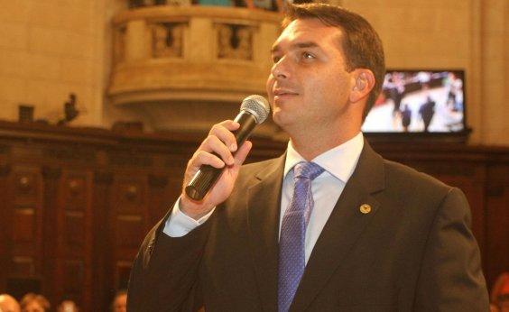 [Filho de Bolsonaro reclama de 'perseguição' após ser banido do WhatsApp]