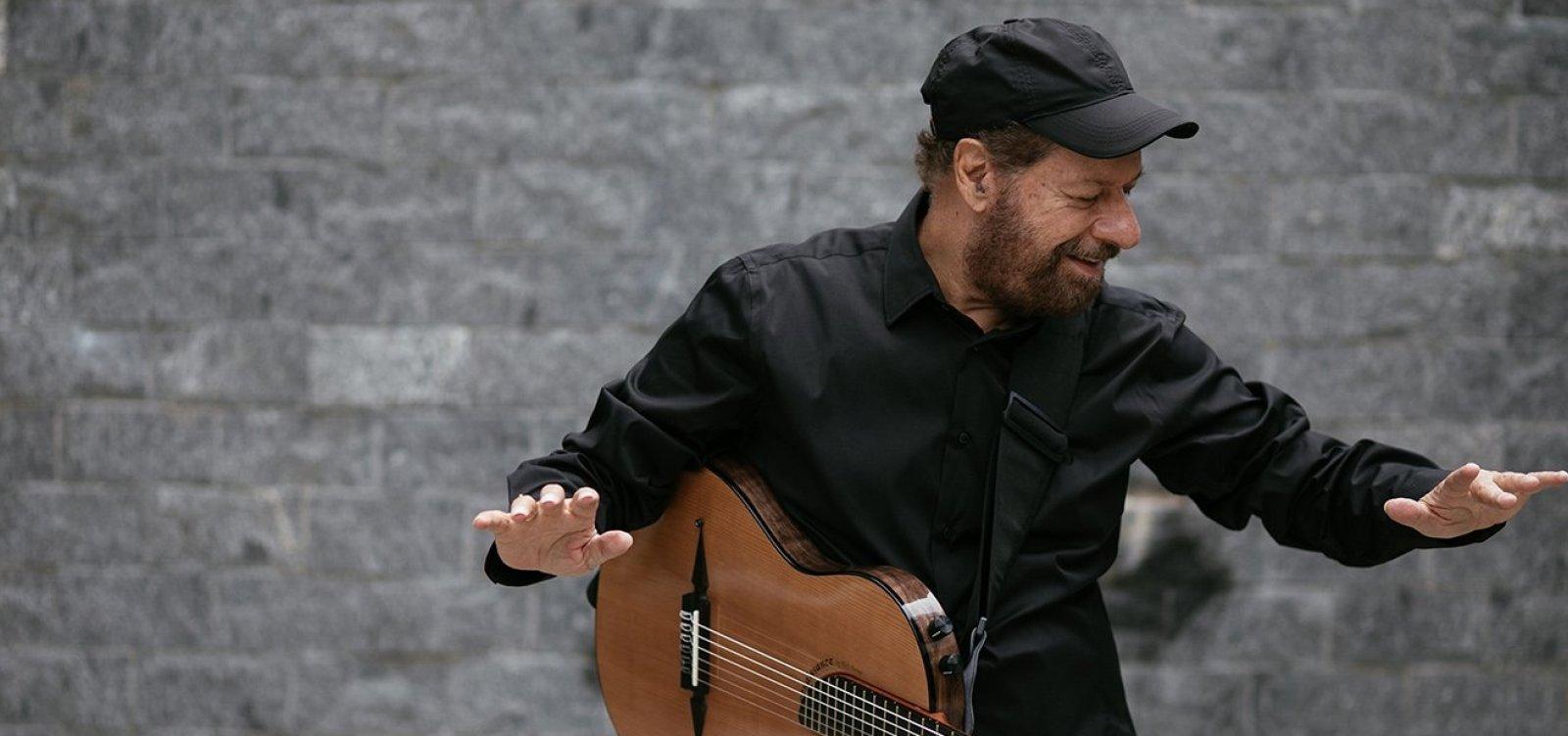 [João Bosco faz show intimista no Café-Teatro Rubi]