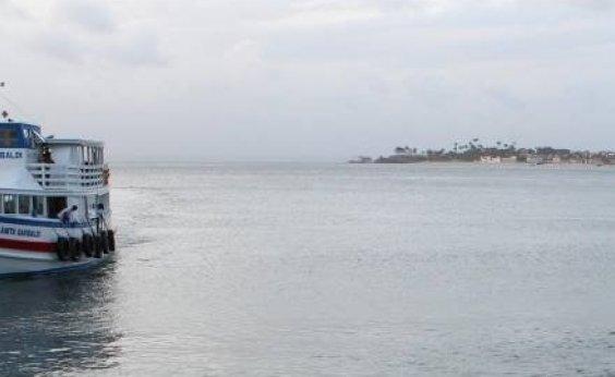 [Travessia Salvador-Mar Grande é suspensa por conta do mau tempo]
