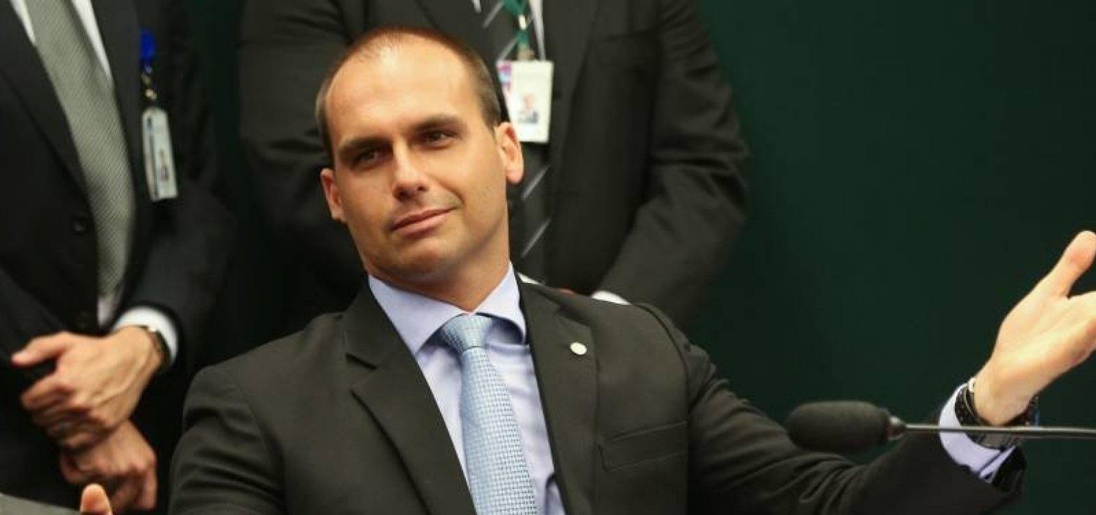 [Filho de Bolsonaro diz que para fechar STF 'basta um soldado e um cabo'; veja vídeo  ]