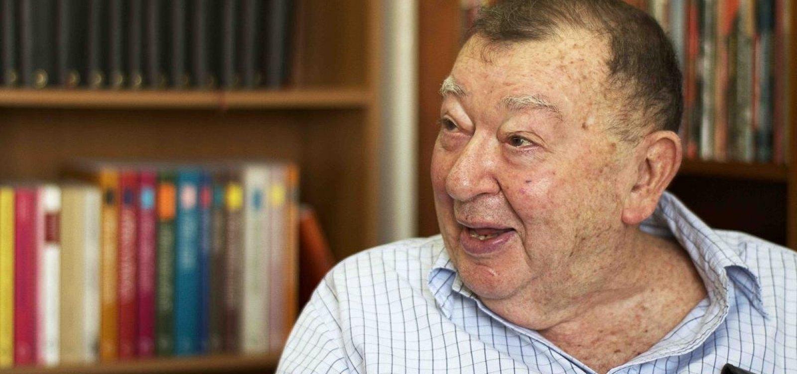 [Morre aos 97 anos Jacó Guinsburg, fundador da editora Perspectiva]