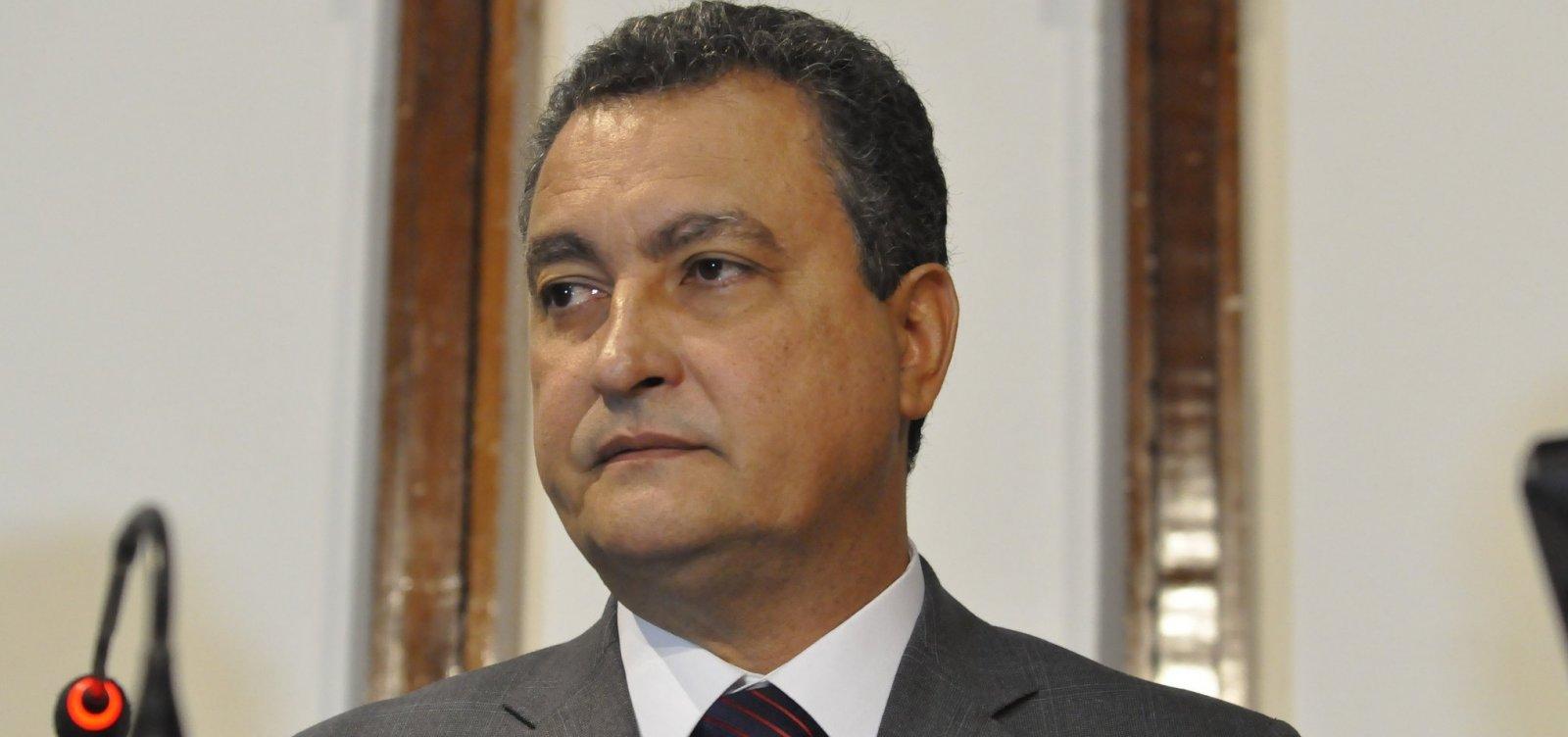 [Rui chama Bolsonaro de 'frouxo, covarde e despreparado' ao falar sobre ausência em debate]