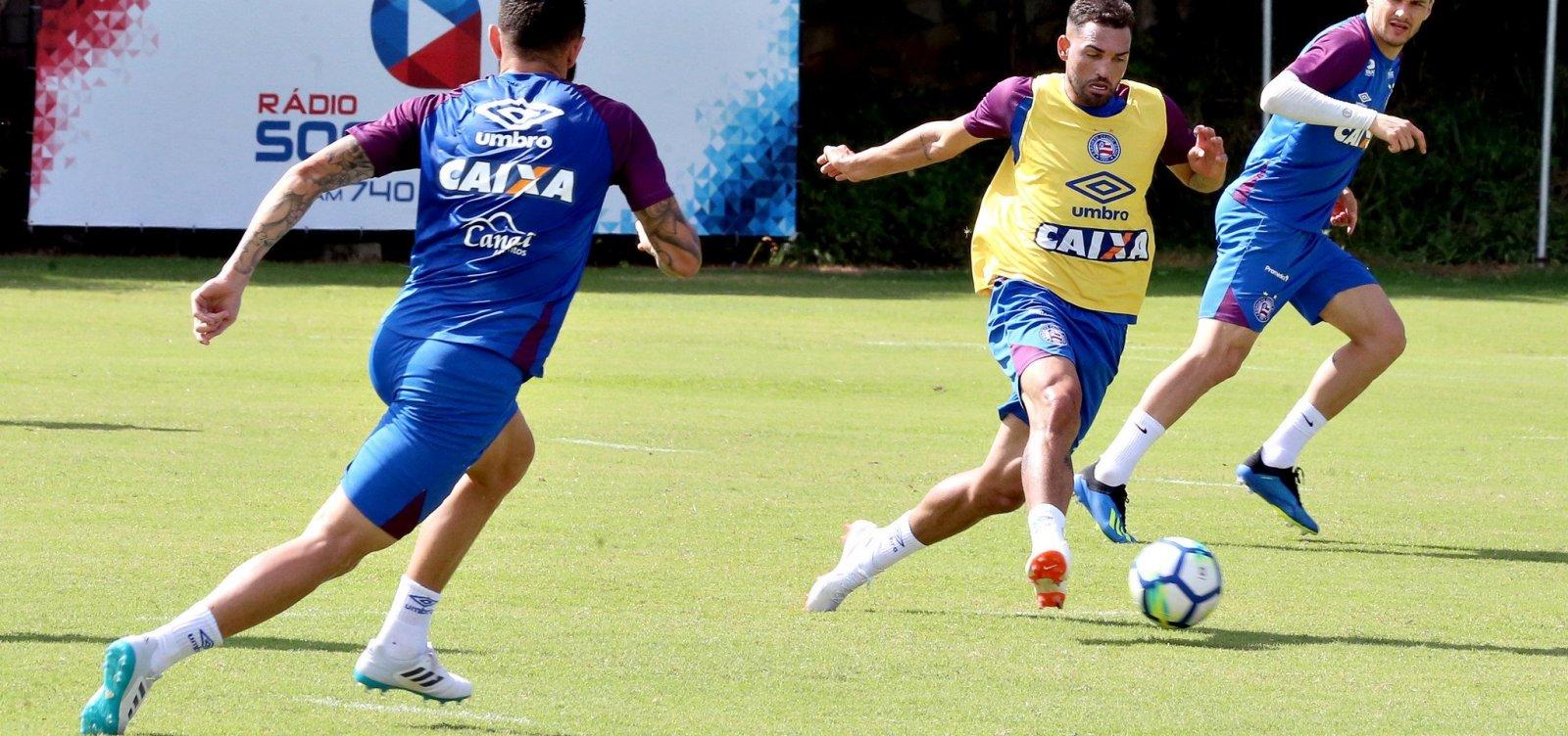 [Gilberto é vetado de jogo do Bahia contra Atlético-PR por dores no joelho]