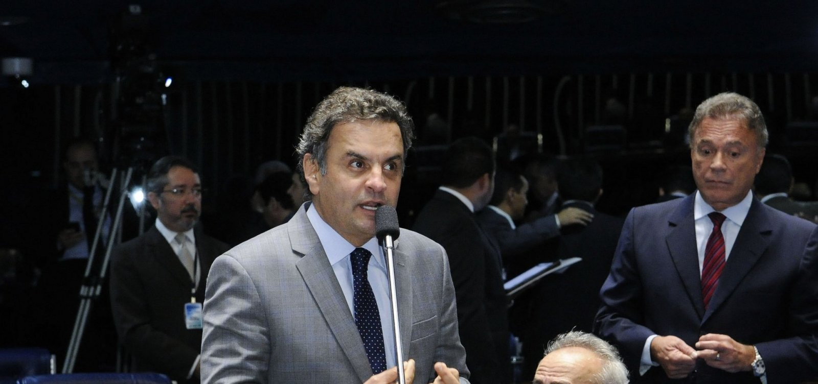 [Gilmar Mendes arquiva inquérito contra Aécio Neves]
