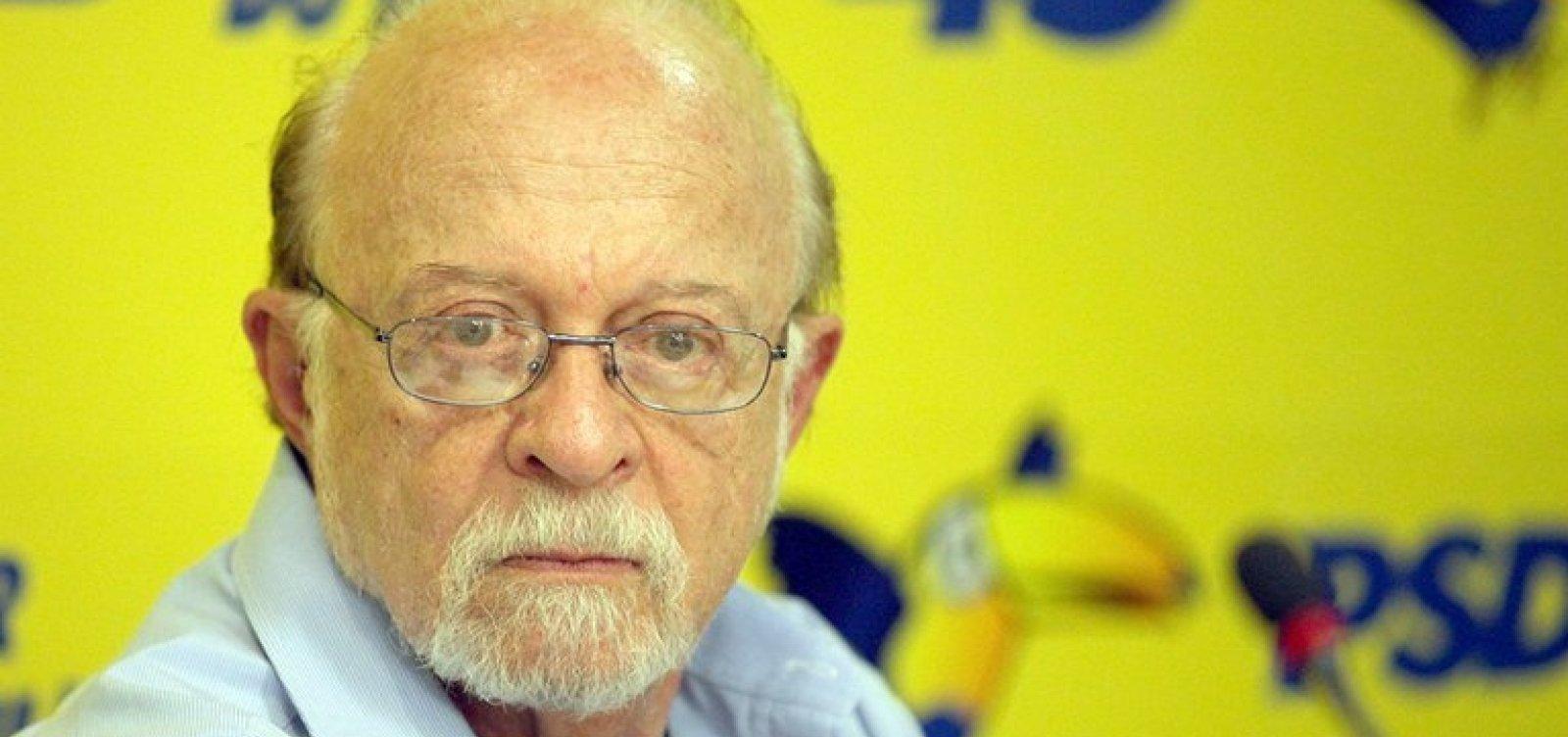 [Ex-presidente do PSDB anuncia apoio a Haddad]