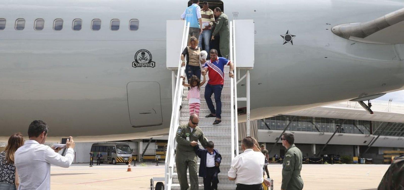 [Venezuelanos refugiados chegam hoje a Salvador e Alagoinhas]