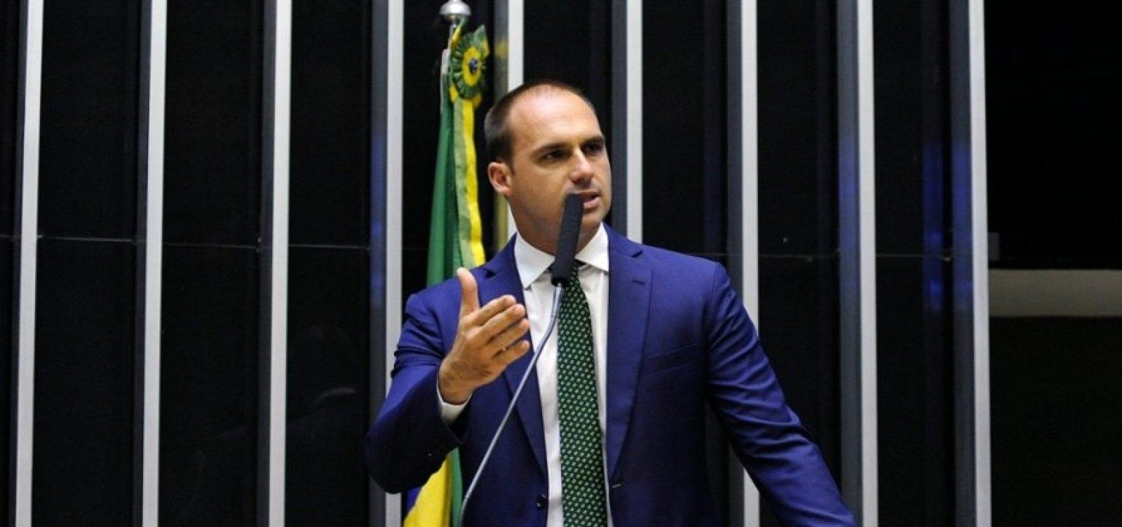 [Supremo tenta intimar filho de Bolsonaro, mas não consegue localizá-lo]