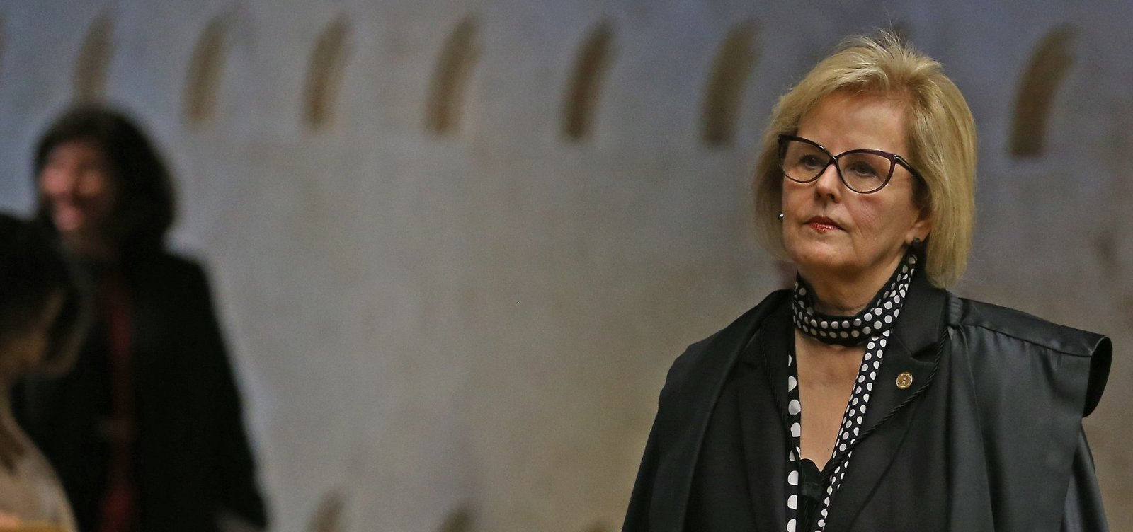 [Rosa Weber defende urnas eletrônicas e volta a pedir 'tolerância' nas eleições]