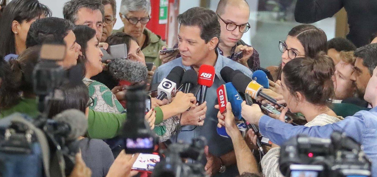 [Fernando Haddad vota e desconversa sobre apoio de Ciro Gomes]
