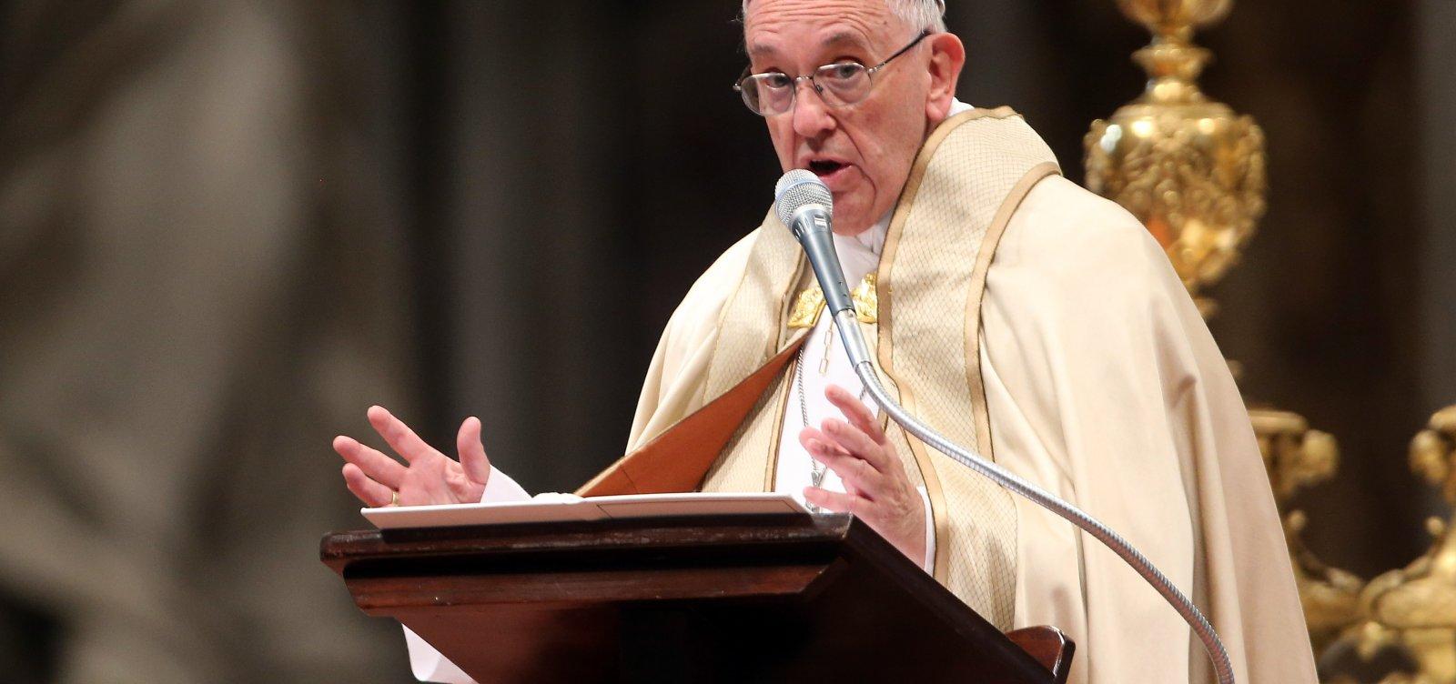 [Papa Francisco condena ataque contra sinagoga nos EUA]