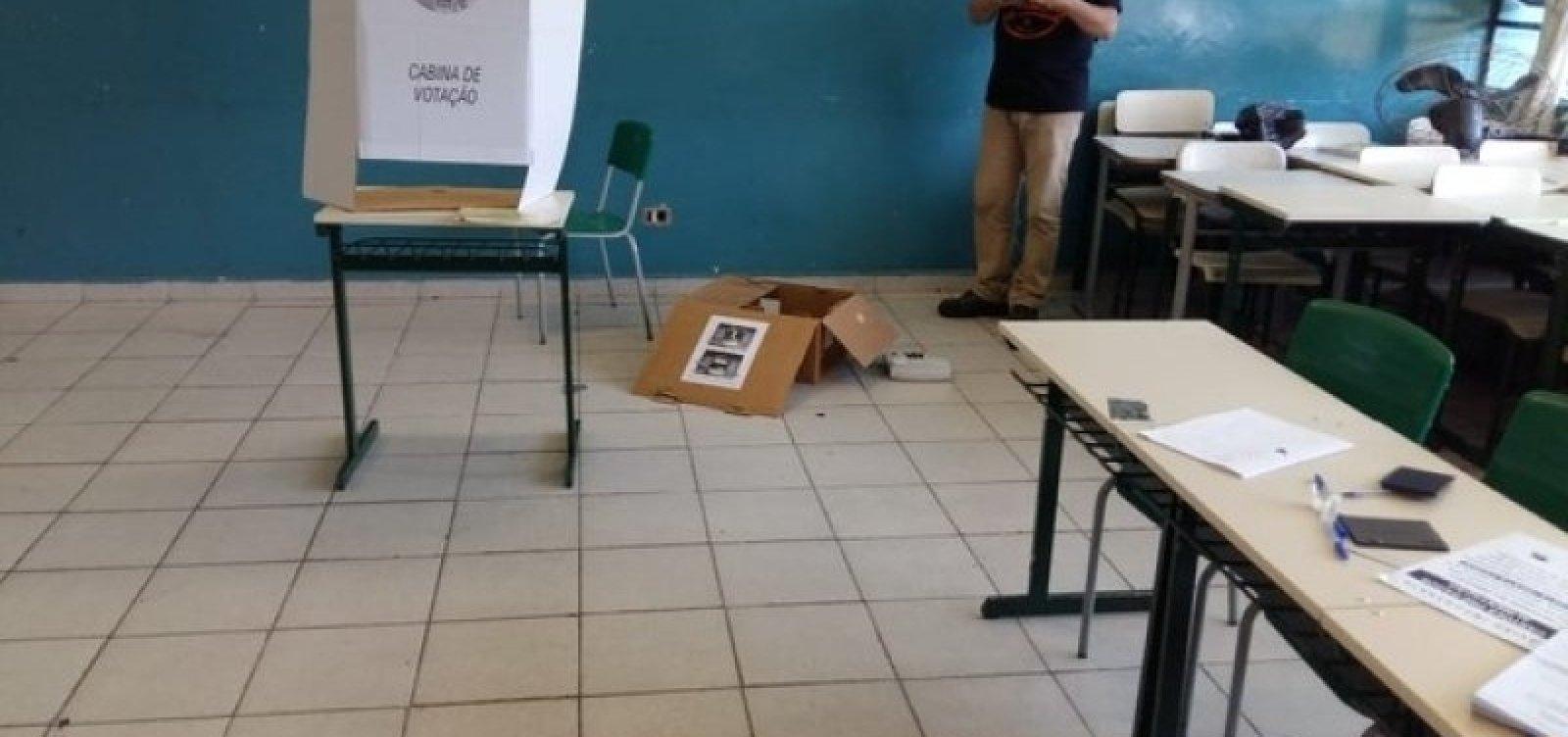 [Vândalos invadem escola e destroem 10 urnas eletrônicas em Sorocaba]